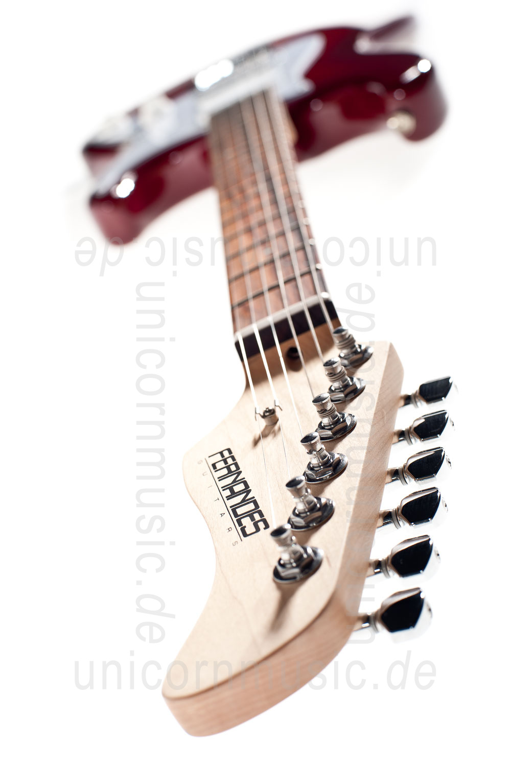 to article description / price Electric Guitar FERNANDES RETROROCKET X - SSH Version - Lava Flame