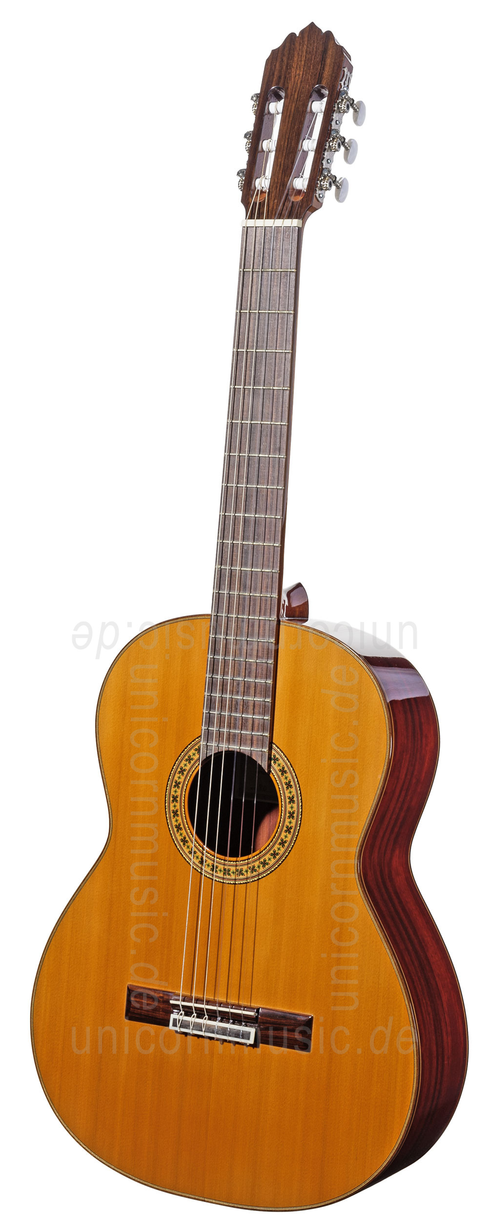 to article description / price Spanish Classical Guitar JOAN CASHIMIRA MODEL 80 - solid cedar top
